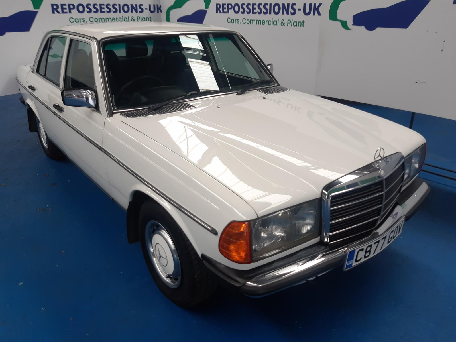 1985 MERCEDES COMPACT W123 230 E