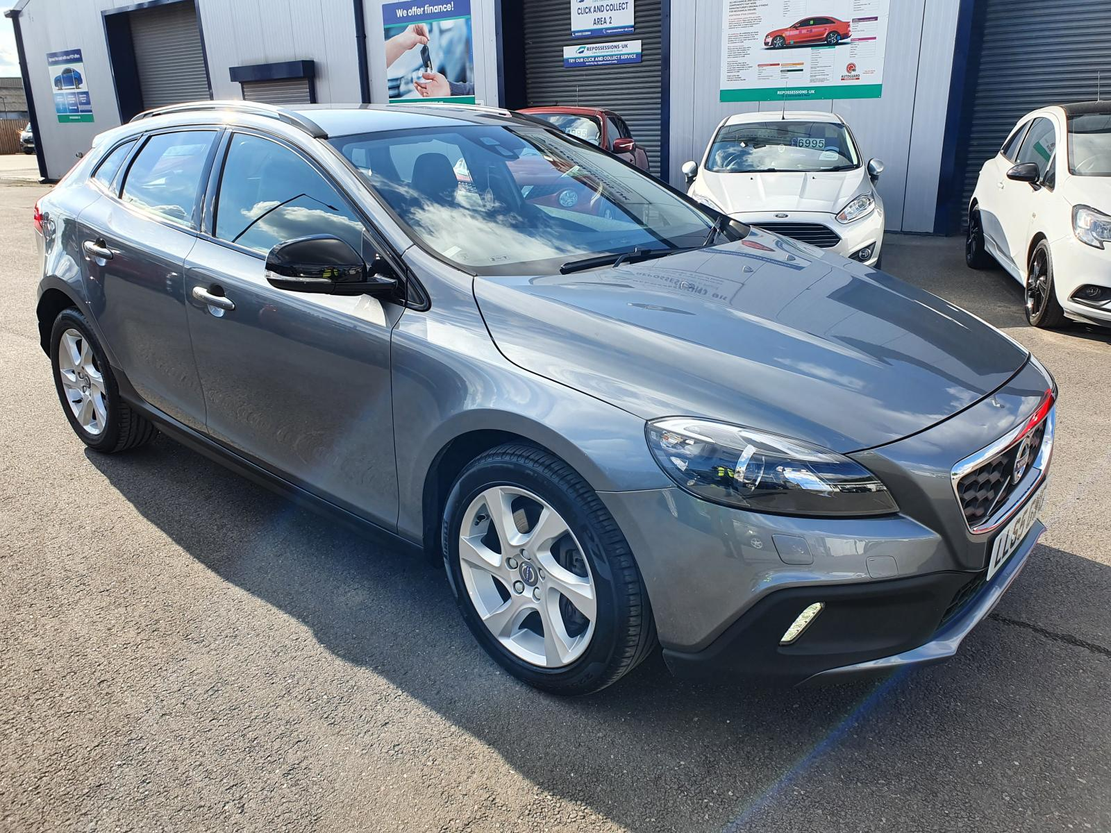 2015 VOLVO V40 MK3 (525) 2012 On D2 CROSS COUNTRY LUX